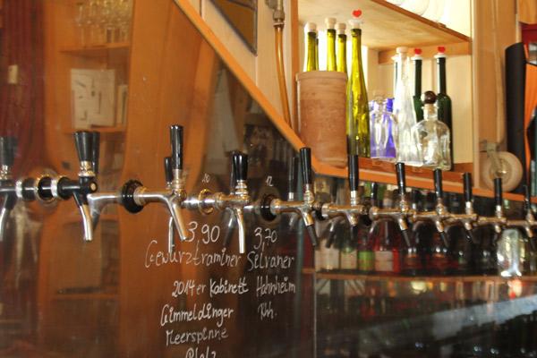 Zapfen Sie Ihren Wein aus 1000-Liter-Fässern.